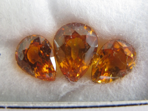 Yellow Sapphires (7.5 - 9 Pear set of 3)